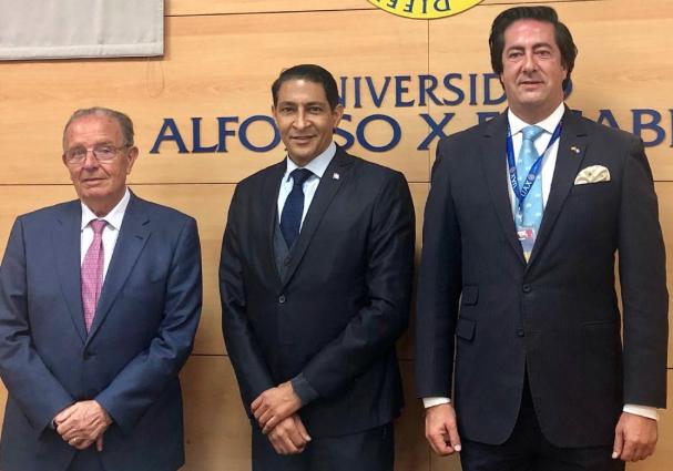 Iván Gatón impartirá cursos de geopolítica en universidad española