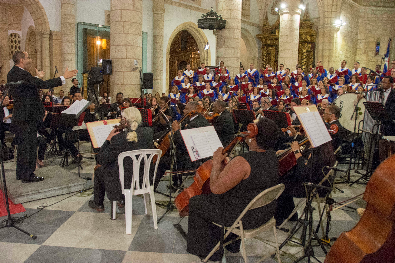 Concierto de la Natividad del Señor reúne a cientos en la Catedral