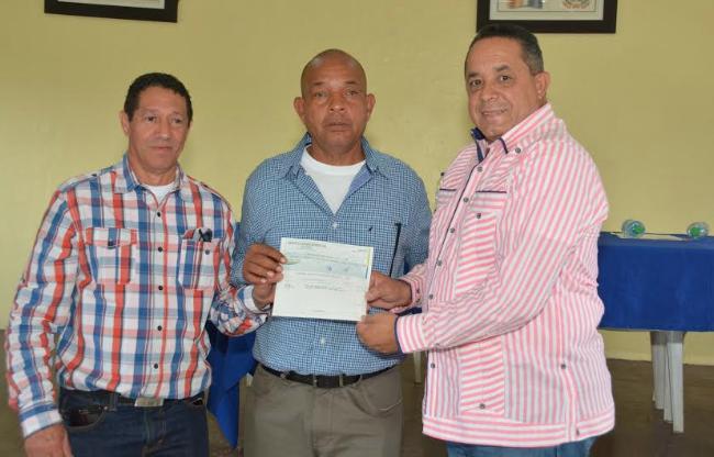 Productores cañeros de Higuey reciben más de 4 millones de pesos