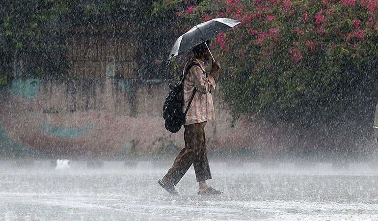 El tiempo en RD: Vientos del Este provocarían lluvias y sigue el oleaje anormal
