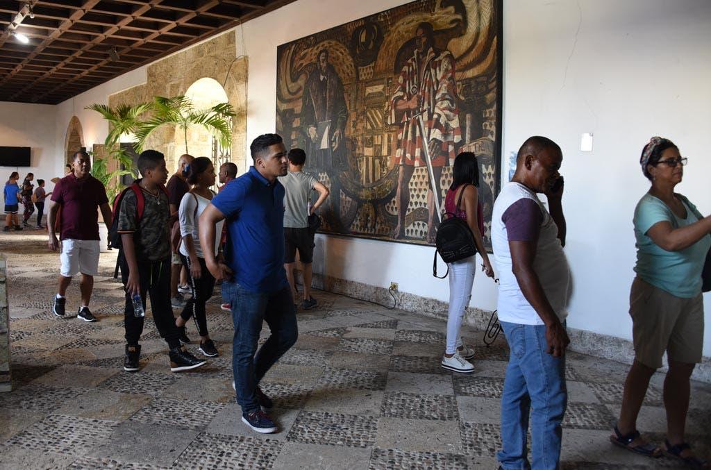 Las personas que isitan la zona entran libre de pago a los museos.