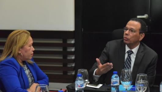 Unibe presenta al Minerd resultados proyecto USAID-Leer por la mejora de la lecto-escritura