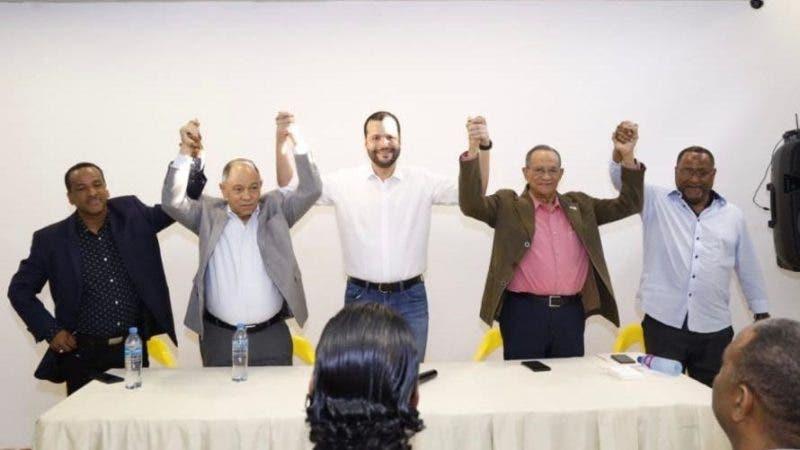 Pepe Abreu, Gabriel del Río Doné y Jacobo Ramos durante el acto de apoyo a Rafael Paz