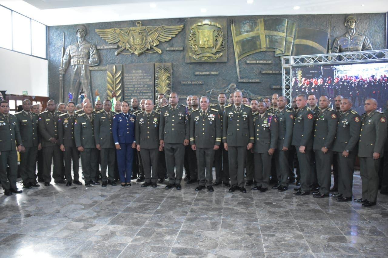 Ejército gradúa a 34 oficiales superiores