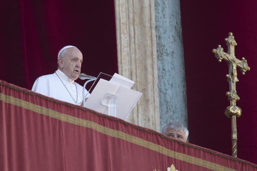 Papa Francisco envía mensaje navideño de esperanza contra la oscuridad