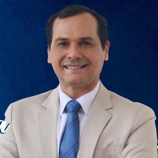 Esto dice que hará Iván Silva de ganar como senador por La Romana