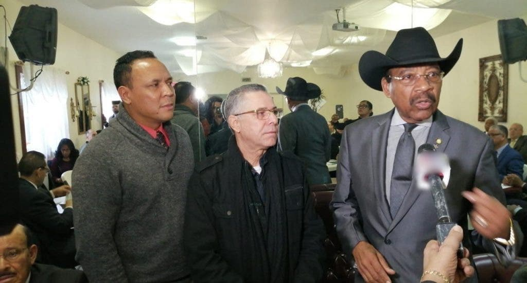 Reverendo Rubén Díaz da apoyo a Manuel Jiménez para alcaldía SDE