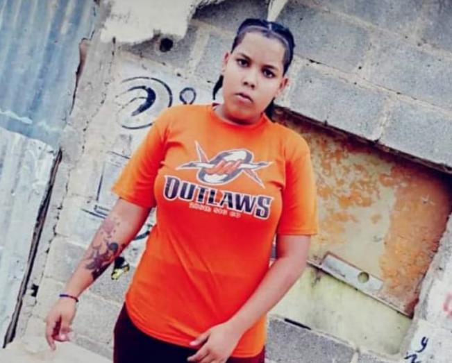 Piden justicia por joven asesinada y quemada en Brisas del Este
