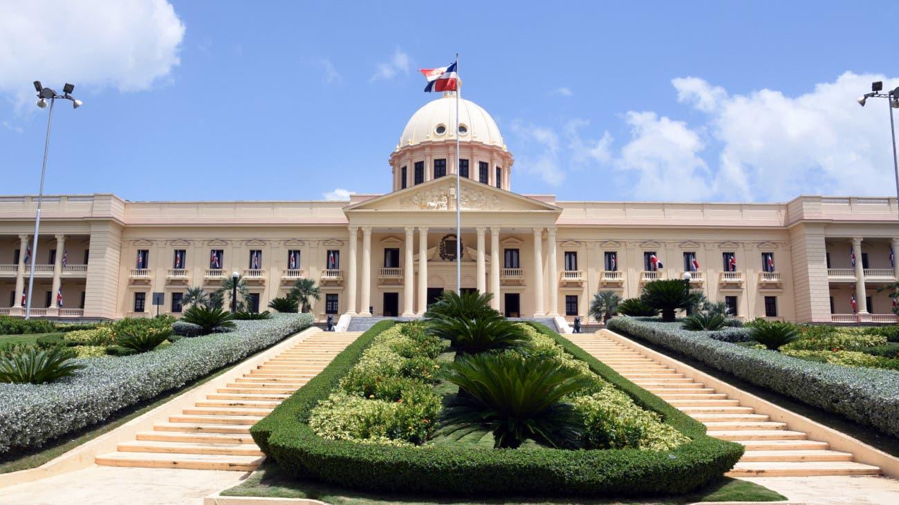 Danilo Medina promulga ley de emisión y colocación valores deuda pública
