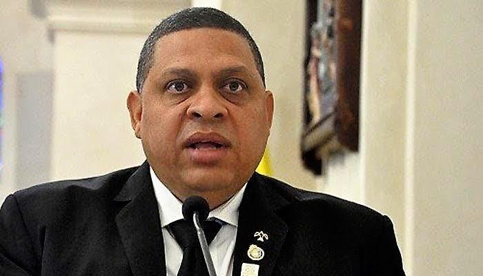 Fallece padre del fiscal titular de Santiago