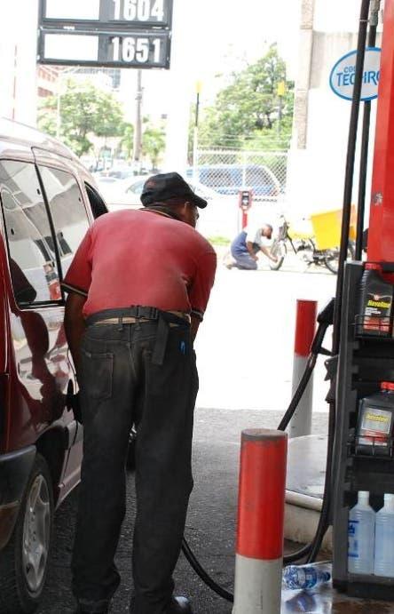 Coronavirus sigue provocando rebajas en combustibles; aquí nuevos precios