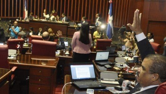 Senado aprueba proyecto  de ley reduce ganancias a las AFP