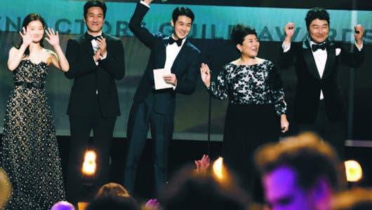 """""""Parasite"""" triunfa en premios  SAG"""