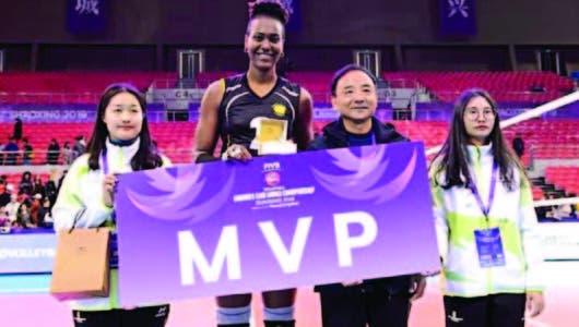 11 voleibolistas refuerzan en diversas ligas profesionales