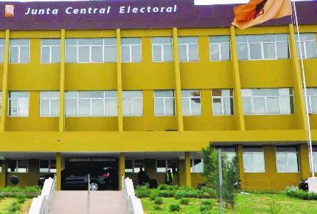 Fachada de la Junta Central Electoral, (JCE). Santo Domingo República Dominicana.  26 de abril del 2016. Foto Pedro Sosa