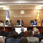 Pleno JCE se reúne con presidentes y secretarios de 158 Juntas Electorales sobre organización elecciones municipales. fuente externa