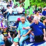 Gonzalo Castillo durante recorrido de apoyo candidatos de La Vega.  Hoy/Fuente Externa 24/01/20