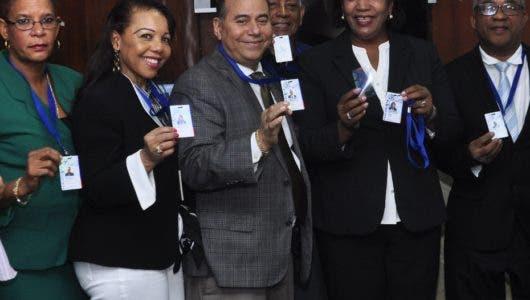 Periodistas adscritos al CDP tendrán un nuevo carné con código QR