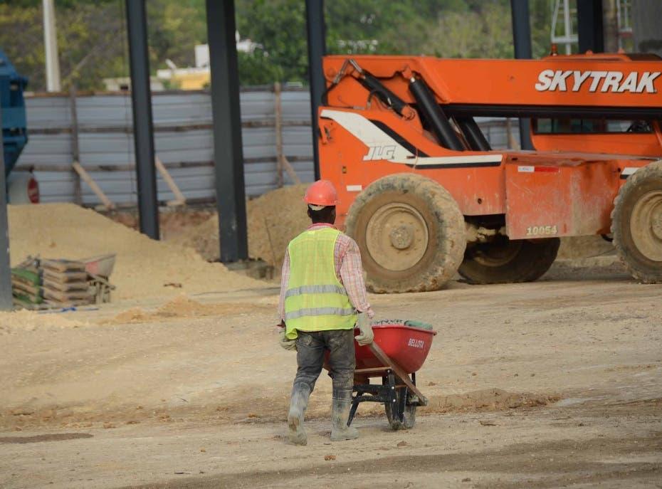 Asegura solo un 4% de trabajadores de la construcción recibe ayudas del Gobierno