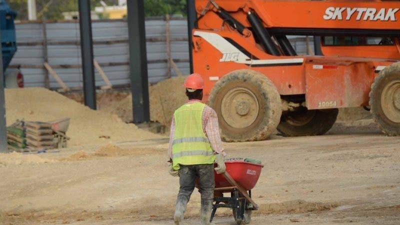Continuan trabajos en la construccion de la terminal de autobuses de Santo Domingo Este del ministerio de Obras Publicas. 13-1-2019 HOY / Ariel Gòmez