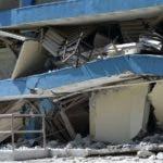 La escuela pública Agripina Seda se ve parcialmente derruida tras un terremoto en Guánica, Puerto Rico, el 7 de enero de 2020. (AP Foto/Carlos Giusti)