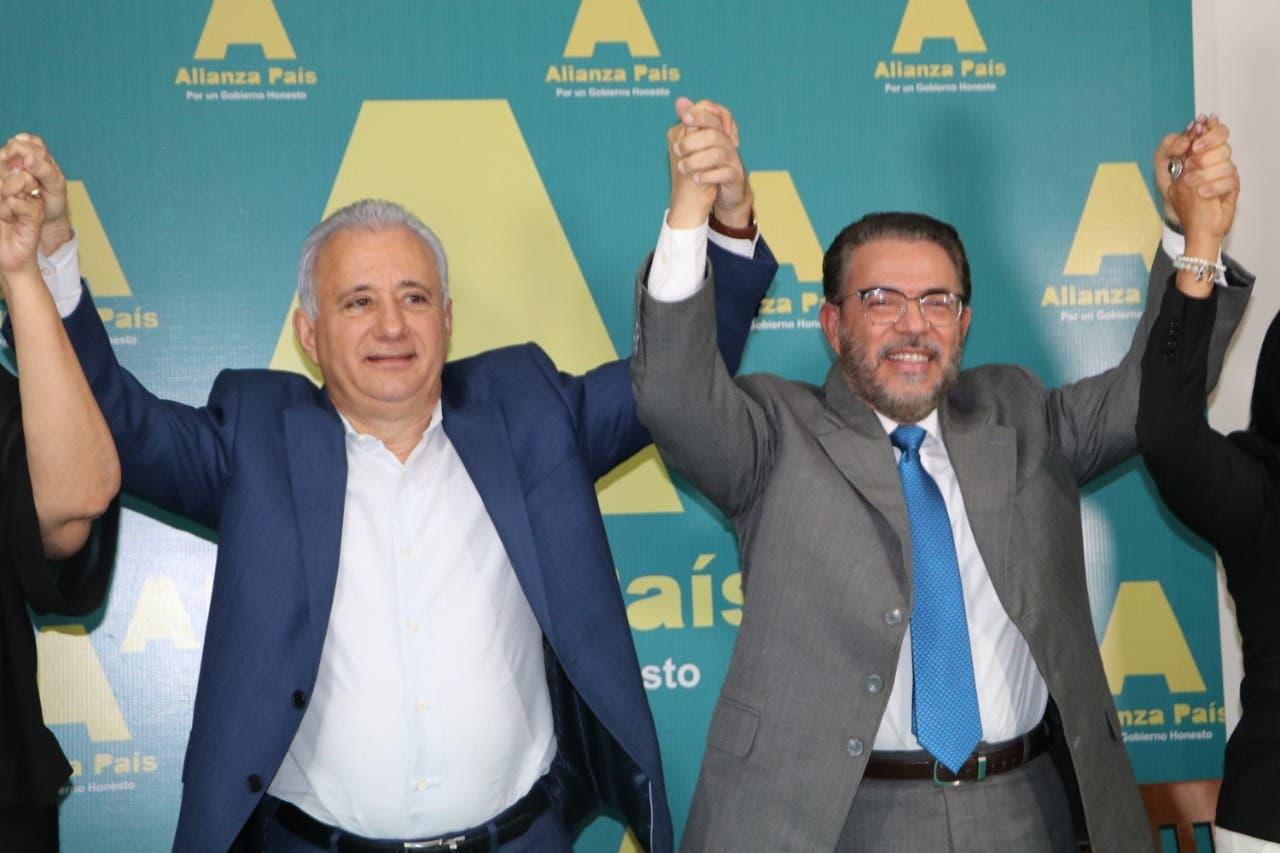 Alianza País presenta a Antonio Taveras Guzmán como candidato a senador por Santo Domingo