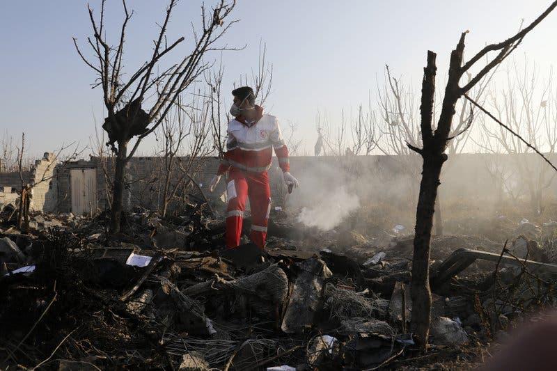 Video: Avión ucraniano con 176 personas a bordo se estrella en Teherán sin dejar sobrevivientes
