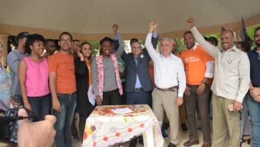 Manuel Jiménez asegura acabará con el desorden y la suciedad en Santo Domingo Este