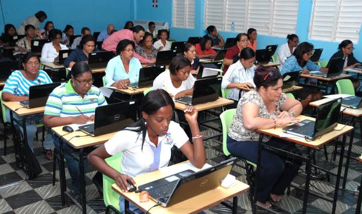 Educación anuncia tercera etapa del programa de inducción para docentes
