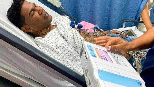 Omega es hospitalizado tras sufrir una parálisis facial