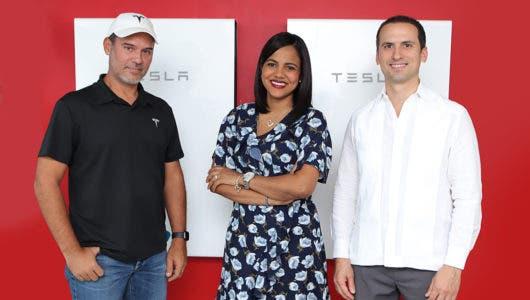 Tesla introduce a RD tecnología para almacenar energía en hogares y empresas