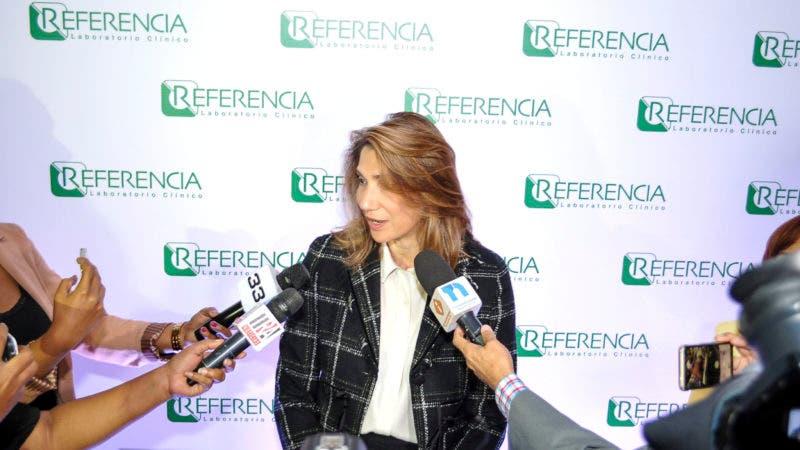 Cynthia León, directora administrativa de Referencia Laboratorio Clínico.