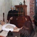 Foto 4, En el Museo de Duarte figuras de cera recrean al patricio en su lecho agónico.