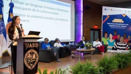 UASD y Oxfam realizan seminario internacional para prevenir violencia contra la mujer