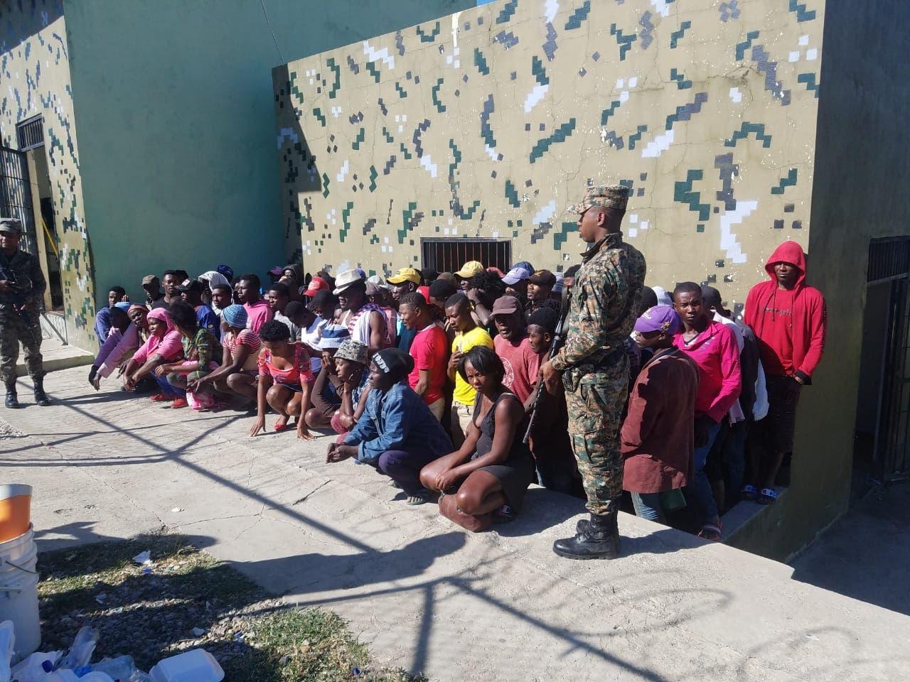 Apresan 939 nacionales haitianos durante operativos