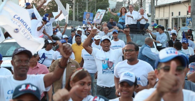 Abinader afirma Carolina será primera alcaldesa del DN