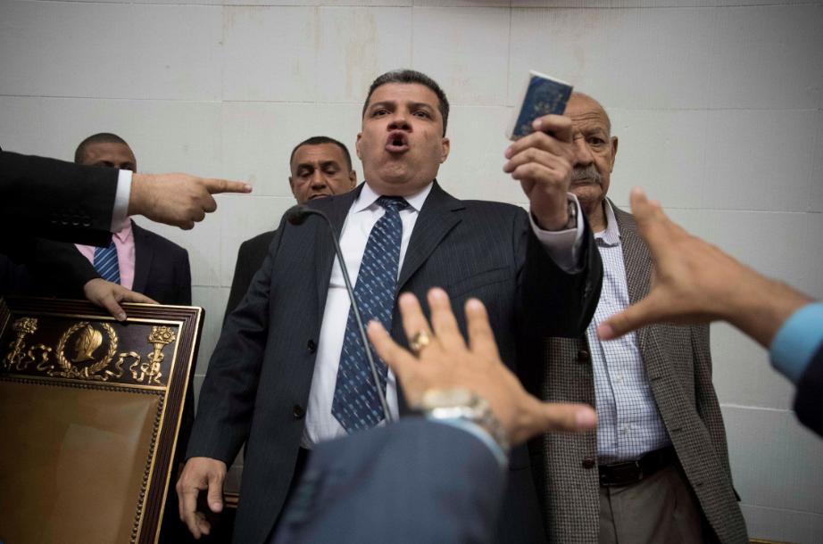 """Presidente de Parlamento elegido por chavistas dice que Guaidó """"es el pasado»"""