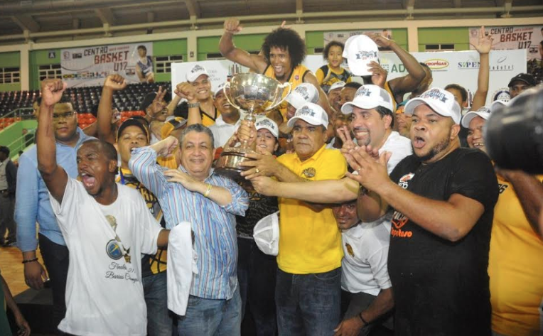 Rafael Barias convoca a sus jugadores para entrenamientos del Torneo Superior del DN