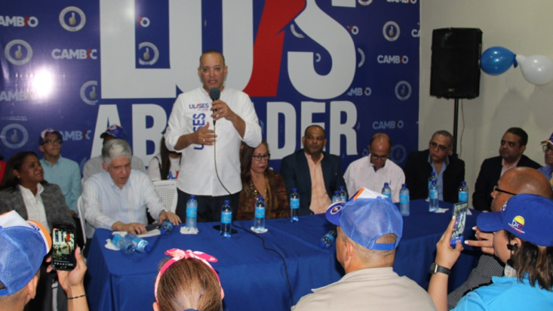 Ulises Rodríguez, candidato a alcalde por el PRM en el municipio de Santiago.