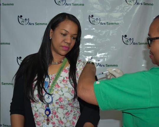 ARS Semma con jornada de vacunación entre sus colaboradores