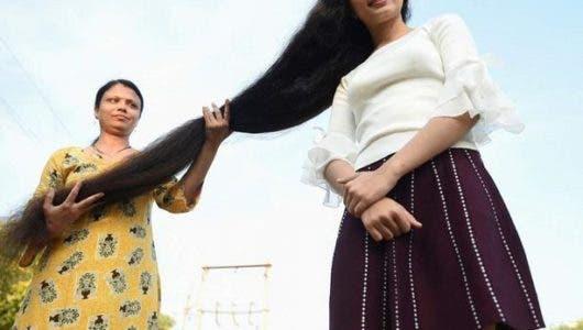 Adolescente ostenta el récord de la cabellera más larga del mundo con 190 cm