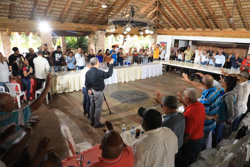 Abel Martínez recibe apoyo de diferentes figuras del deporte