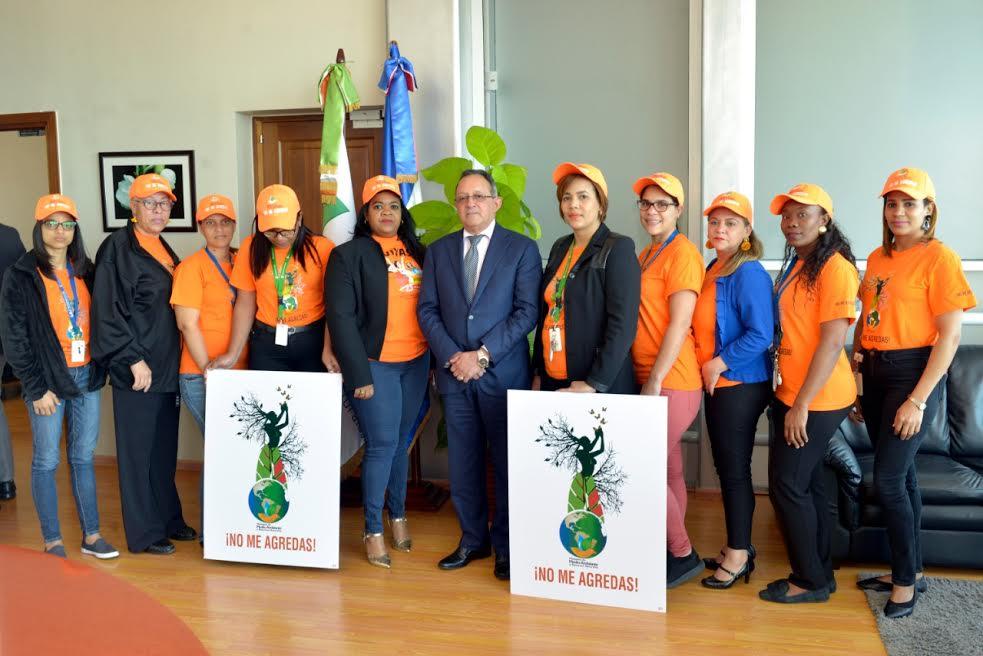"""""""No me Agredas"""", campaña de Medio Ambiente para la preservación de la tierra y contra violencia de género"""