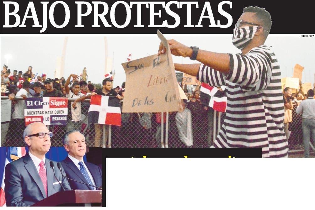 BAJO PROTESTAS  y ante la marcha opositora, el Gobierno admite crisis  y busca  negociar