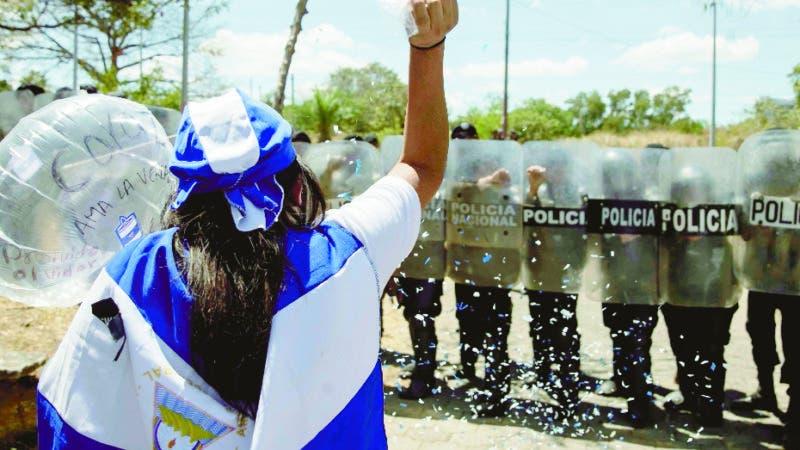 Mundo: Denuncian opositores de Daniel Ortega asedio policial