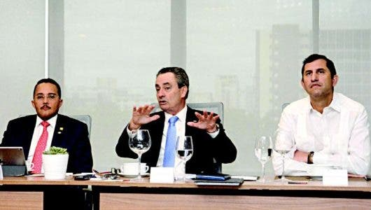Inversiones no se ven afectadas en RD a largo plazo, pero existe alarma media