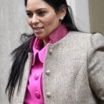 London (United Kingdom), 14/02/2020.- Britain's Home Secretary Priti Patel leaves Downing Street after a cabinet meeting in London, Britain, 14 February 2020. It is the first cabinet since British Prime Minister Boris Johnson reshuffled ministerial posts 13 February. (Reino Unido, Londres) EFE/EPA/NEIL HALL