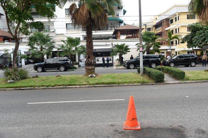Contingente de seguridad cubren inmediaciones de la residencia de Danilo Medina