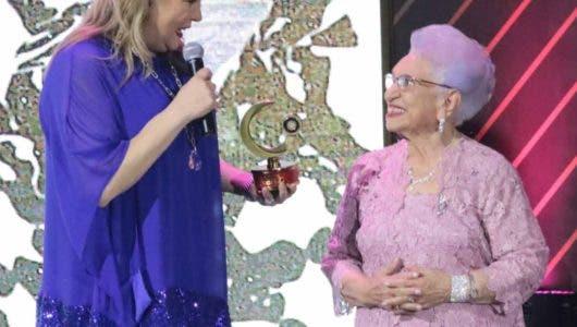 Premio Gardo honra a María Cristina Camilo