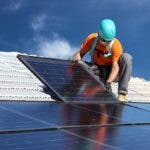 economia. paneles solares